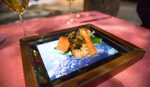 iPad plate